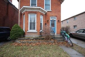 Queen's U Beautiful 5 Bedroom student house avail May 1