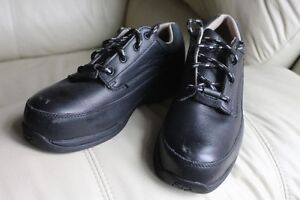 Safety Shoes steel toe Women's size US 8 Kodiak in excellent con