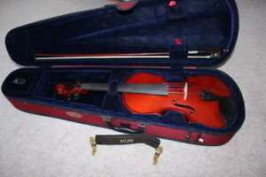 Like-New Stentor II 4/4 Size Violin/Fiddle Outfit
