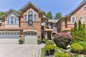House for Sale in Richmond Hill at Westbury Crt