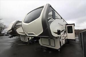 Front Kitchen Montanna Fifth Wheel