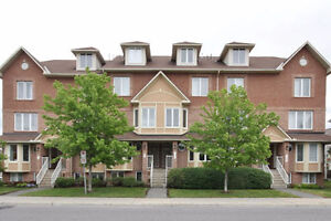 WELL MAINTAINED 2 BED, 2 BATH LOWER LEVEL CONDO - BARRHAVEN EAST