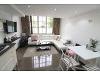 3 bedroom flat in Hopton Road, Royal Arsenal, Woolwich, SE18
