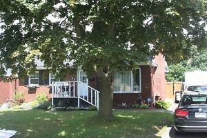 42 Laurentian Dr. - Close to the college