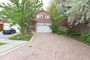 4 BedRoom Detached House with Finished Basement