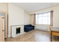 Recently refurbished 4 bed house with a garden on Rusper Road, Wood Green