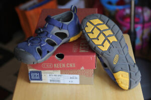 KEEN Boys Youth Blue Depths/Gargoyle Closed Toe Sandals Size 4D