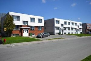 Pierrefonds Apartment 4 1/2 for Sept. 1