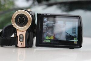 Digital video Camcorder camera DXG Riviera DXG-535V – 3 IN LCD -
