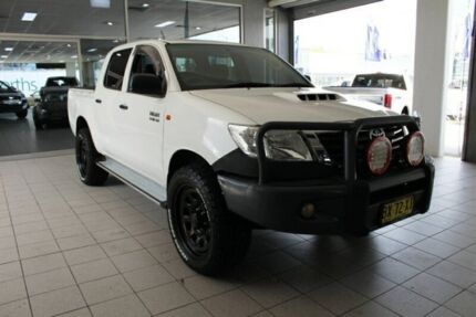 2013 Toyota Hilux KUN26R MY14 SR (4x4) Glacier White 5 Speed Automatic Dual Cab Pick-up Thornleigh Hornsby Area Preview