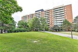 Wow !! Large 3 Bdr Unit , Practical Layout. Fully Renovated $$$,