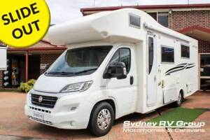 U3872 Winnebago Whitehaven Beautifully Appointed RV With Slideout