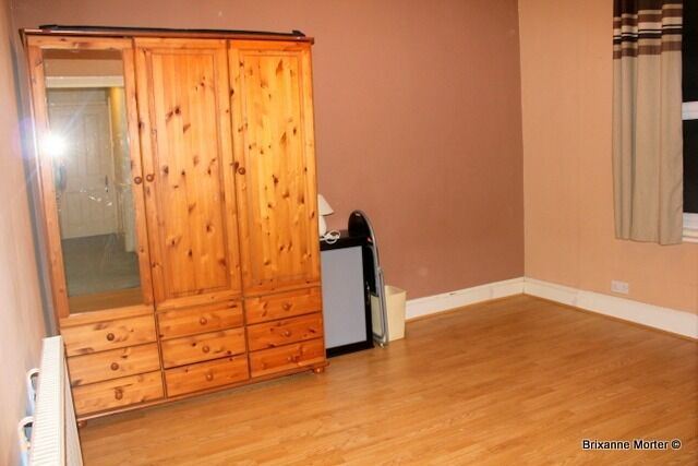 Spacious bright and airy double room for rent in the heart of Catford. All Bills Included.