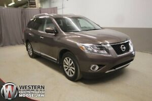 2015 Nissan Pathfinder SL - 4WD - LEATHER