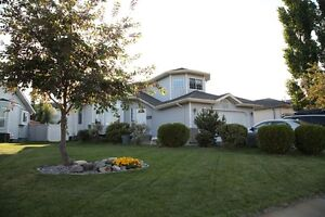 4 bdrm single house in Twin Brooks for rent available Sept.1
