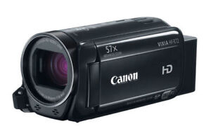LIKE NEW Camcorder - Canon Vixia HF R72 32GB HD + *3* Batteries