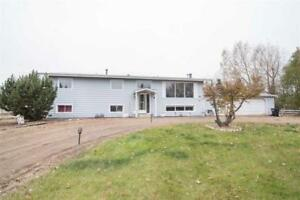 5bd 1ba/2hba Home for Sale in Rural Strathcona County