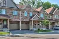 **SPACIOUS 3 BDRM TOWN HOME AVAIL. IN OAKVILLE FOR DECEMBER**