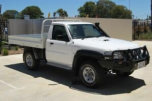 2010 Nissan Patrol GU 6 MY10 DX White 5 Speed Manual Cab Chassis Kenwick Gosnells Area Preview