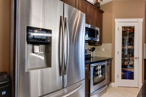 **Amazing Price!** Beautiful Luxury 3 Bed Brintnell**