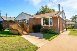 Solid Bungalow in Stamford Centre for Sale | Niagara Falls
