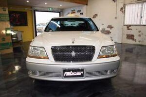 2002 Toyota Crown White Automatic Sedan