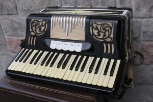 Vintage Accordion Symphonia musical instrument Made in Italy 17