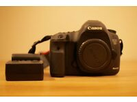 Canon 5Dmark3 body. Very good condition. Shutter count 9068.
