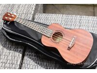 Makanu MUK-C Concert Ukulele with bag - NEW