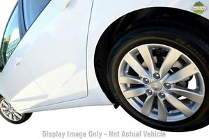 2015 Kia Cerato YD MY16 S Premium Snow White Pearl 6 Speed Sports Automatic Hatchback Toowoomba Toowoomba City Preview