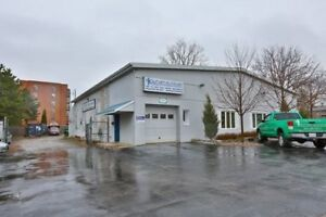 AUTO CAR SHOP FOR RENT / WHITBY DOWNTOWN