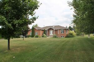 HOUSE FOR SALE 37 MILL ST. W. HILLSDALE