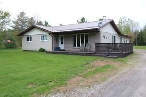 Large Country Home Just Outside of Noelville (French River)