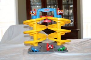 Fisher Price Spiral Downhill Race Track Dual Speedway 1997