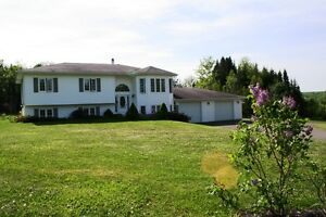 Huge Family Home - McLeod Hill - OPEN HOUSE SUNDAY!