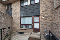 Very Clean - Townhouse condo in South London