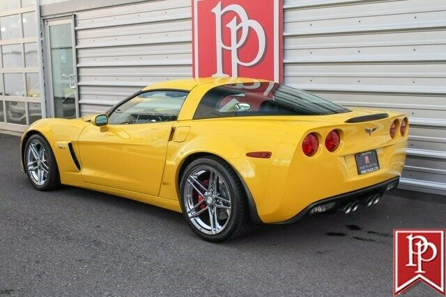 2006 Yellow Chevrolet Corvette Z06  | C6 Corvette Photo 7
