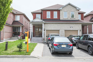 Beautiful 4bdr Semi-detached in Lisgar area Bright Open Concept!