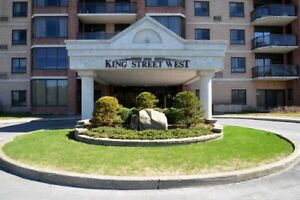 GORGEOUS WATERFRONT 2-BEDROOM CONDO - 1000 King St West