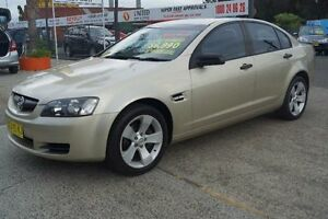 2006 Holden Commodore VE Gold Automatic Sedan Oak Flats Shellharbour Area Preview