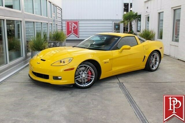 2006 Yellow Chevrolet Corvette Z06  | C6 Corvette Photo 1