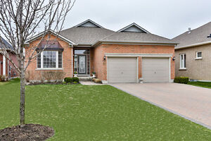 15 Berg Court, Whitchurch-Stouffville - 2BR 2WR Bungalow