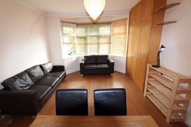 newly decorated one bedroom garden flat, Glebe Crescent, NW4