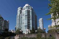 Massive 2 Level Townhome Steps to Seawall in Beach City-Yaletown