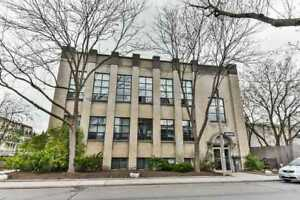 Newly Renovated! Authentic Hard Loft Located At St Helen's Ave