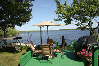 WATERFRONT COTTAGE - 4 Season ***URGENT***
