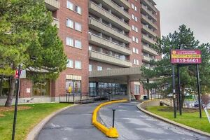 Bachelor available at 2525 Cavendish blvd., Montreal
