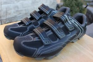 Specialized men's size US 12 1/2  EU 47 bike cycling shoes cleat