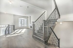 For lease Semi-Detached, 3-Storey Richmond Hill, Mill Pond York