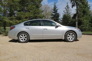 PRICE REDUCED!  Nissan Altima SL